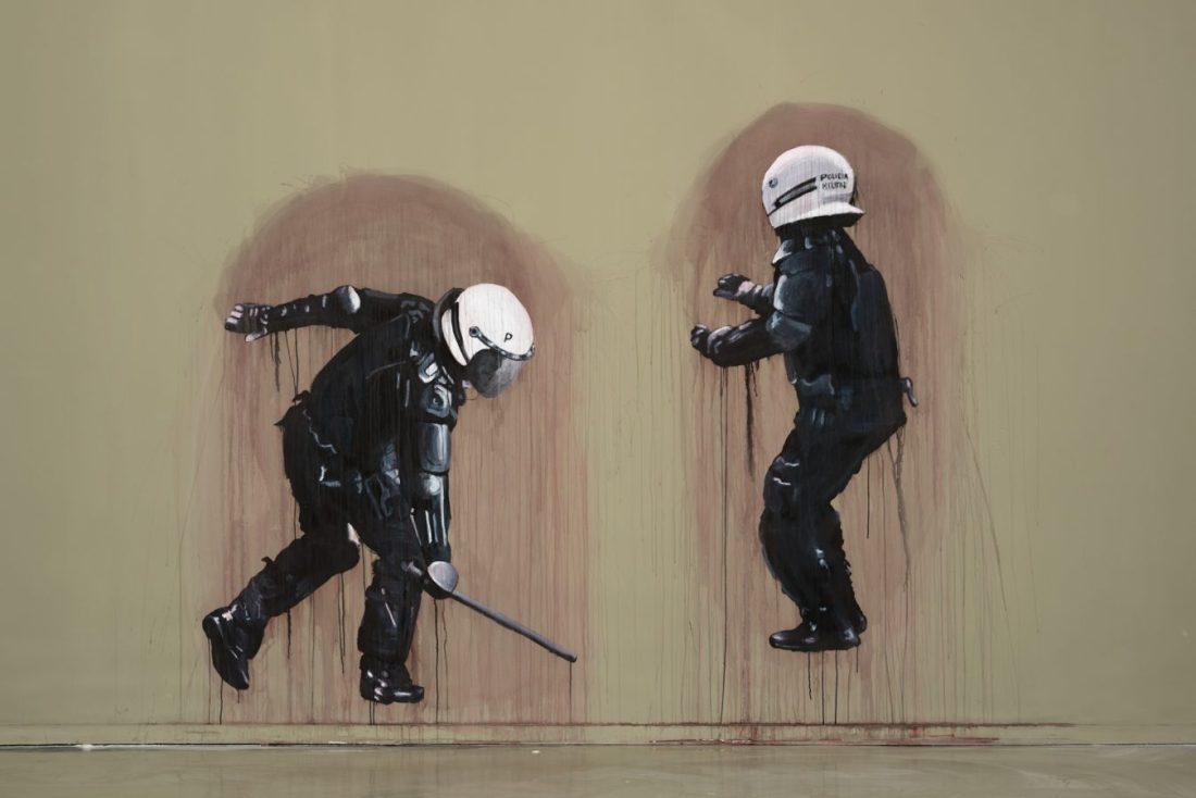 A polícia vai, a polícia vem Dora Longo Bahia A polícia vai, a polícia vem, 2017 Exhibition view © Edouard Fraipont